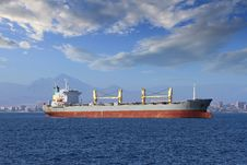 Free General Cargo Vessel Royalty Free Stock Image - 35570456