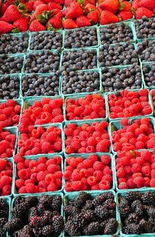 Free Fresh Berries At Market Royalty Free Stock Image - 35571756