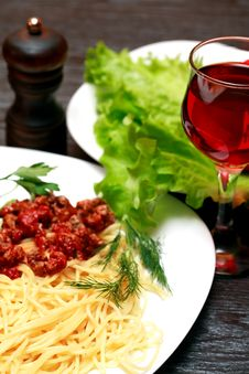 Free Pasta And Wine Stock Photo - 35572820