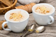 Free Cream Soup Of Cauliflower With Cheese And Pepper In A Cups Stock Photos - 35572983