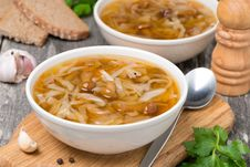 Free Traditional Russian Cabbage Soup &x28;shchi&x29; With Mushrooms Stock Photos - 35574213