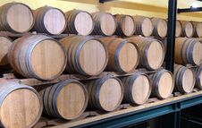 Free Casks In Wine Cellar Stock Image - 35582211