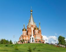 Free Saint Michael S Cathedral In Izhevsk Royalty Free Stock Photography - 35589227