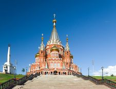 Free Saint Michael S Cathedral In Izhevsk Royalty Free Stock Photography - 35589237