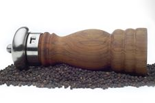 Free Pepper Mill On White Royalty Free Stock Image - 3560856