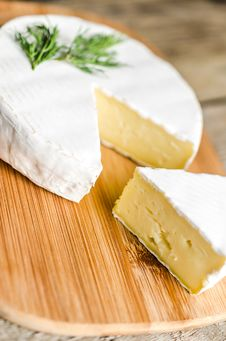 Free Head Of Camembert Royalty Free Stock Photos - 35604408