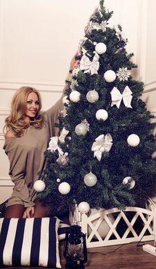 Free Beautiful Girl With Christmas Tree Stock Image - 35605651