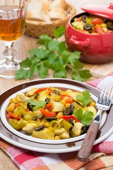 Free Delicious Chicken Stew With Chickpeas, Peppers And Onions Stock Images - 35619134