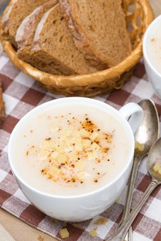 Free Delicious Cream Soup Of Cauliflower With Cheese, Vertical Stock Photography - 35619152