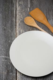 Free Empty Plate, Wooden Spatula And Spoon, Concept Stock Photos - 35619233
