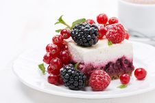 Free Piece Of Cheesecake With Fresh Berries And Coffee Royalty Free Stock Photo - 35619395