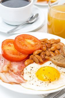 Free Traditional English Breakfast Closeup Royalty Free Stock Photo - 35619505