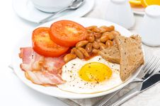 Free Traditional English Breakfast With Fried Egg, Bacon Royalty Free Stock Photography - 35619587
