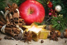 Free Christmas Spices Background Royalty Free Stock Photos - 35646778