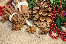 Free Christmas Decoration Royalty Free Stock Images - 35653139