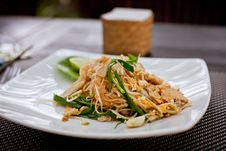 Free Asian Noodle Dish Royalty Free Stock Image - 35665666