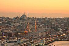 Free Istanbul Old City And Galata Bridge Royalty Free Stock Image - 35670666
