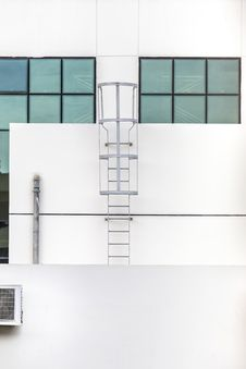 Free Steel Ladder Stock Photography - 35670862