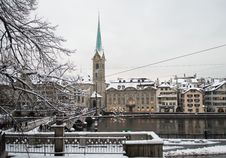 Free Zurich And Limmat River Stock Photography - 35675212