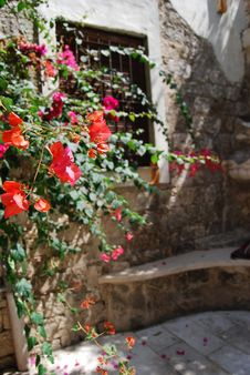 Free Provencal Old Window Royalty Free Stock Image - 3571316