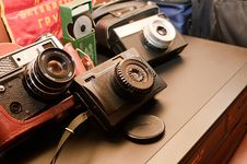Free Old Camera Stock Photography - 35704892