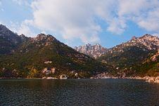 Free Laoshan Mountains Beautiful Autumn Scenery Of China Stock Photos - 35712093