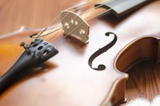 Free Violin On Wood Background Royalty Free Stock Photos - 35715398