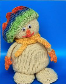 Free Knitted Snowman Royalty Free Stock Photography - 35719347