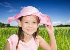 Free Сute Little Girl With Bonnet Royalty Free Stock Photo - 35721275