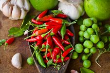 Free Vegetable And Spice Royalty Free Stock Photography - 35722747