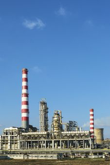 Free Oil And Gas Processing At A Refinery Stock Photos - 35725303