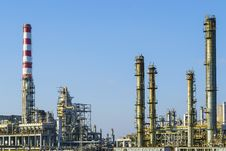 Free Installations Of An Oil And Gas Refinery Stock Image - 35725311