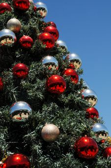 Free Christmas Baubles In Sunny South Africa Stock Image - 35756491