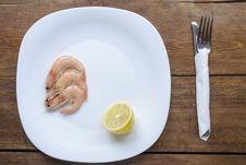 Free Shrimps On White Plate Stock Photo - 35768730