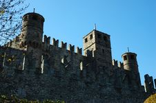Free Medieval Castle Royalty Free Stock Images - 3586929