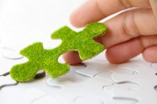 Free Green Puzzle Piece Royalty Free Stock Images - 35800859