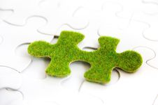 Free Green Puzzle Piece Royalty Free Stock Images - 35800899