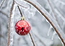 Free Christmas Ornament With Ice Royalty Free Stock Image - 35801916