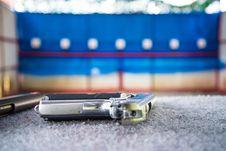 Free Gun Shooting Royalty Free Stock Image - 35802236