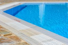 Free Staircase To The Pool Stock Photo - 35817150