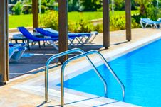 Free Staircase To The Pool Stock Image - 35817161