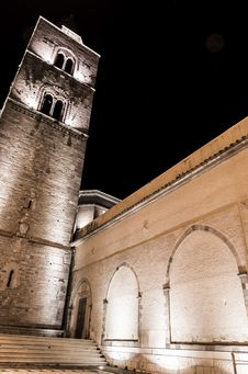 Free Cathedral Tower Royalty Free Stock Photography - 35823057