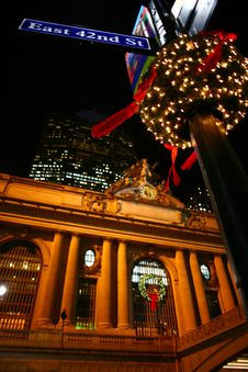 Free Christmas Street NYC Royalty Free Stock Images - 35826689
