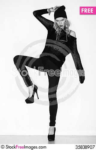 Free Black And White Photo Of Beautiful Model Royalty Free Stock Photography - 35838907