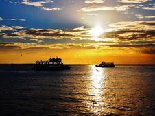 Free Ocean Sunset Royalty Free Stock Photo - 35830525