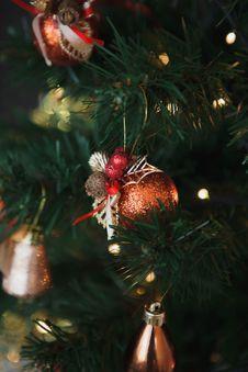 Free Christmas Tree Decoration Royalty Free Stock Image - 35833636