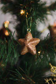 Free Christmas Tree Decoration Royalty Free Stock Photo - 35834395