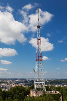 Free Telecommunication Tower Royalty Free Stock Photo - 35849645