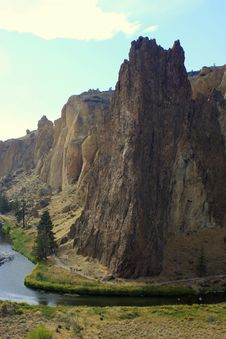 Free Smith Rock And Crooked River Stock Photography - 35850832
