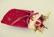 Free Christmas Gift Royalty Free Stock Images - 35851279